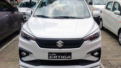 Bán xe Suzuki Ertiga sản xuất 2019, màu trắng (1)