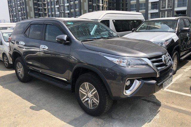 Đại lý hé lộ Toyota Fortuner lắp ráp mở bán vào tháng 7, xe nhập vẫn hút khách a1