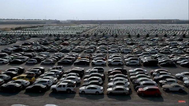 Đi tìm lời giải thích cho việc xe sang, xe siêu sang bị vứt bỏ như rác tại Ả Rập a3
