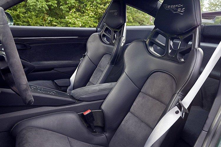 Giá xe Porsche 911 GT2 tại Việt Nam cao hơn Hồng Kông tới 4 tỷ đồng a7
