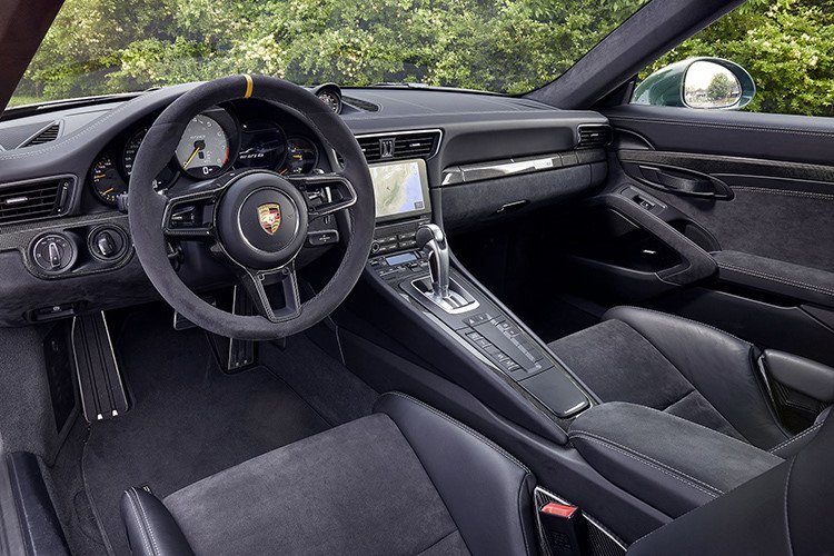 Giá xe Porsche 911 GT2 tại Việt Nam cao hơn Hồng Kông tới 4 tỷ đồng a6