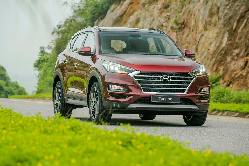 Đắt hơn bản cũ, giá xe Hyundai Tucson 2019 đang ở đâu trong phân khúc?.