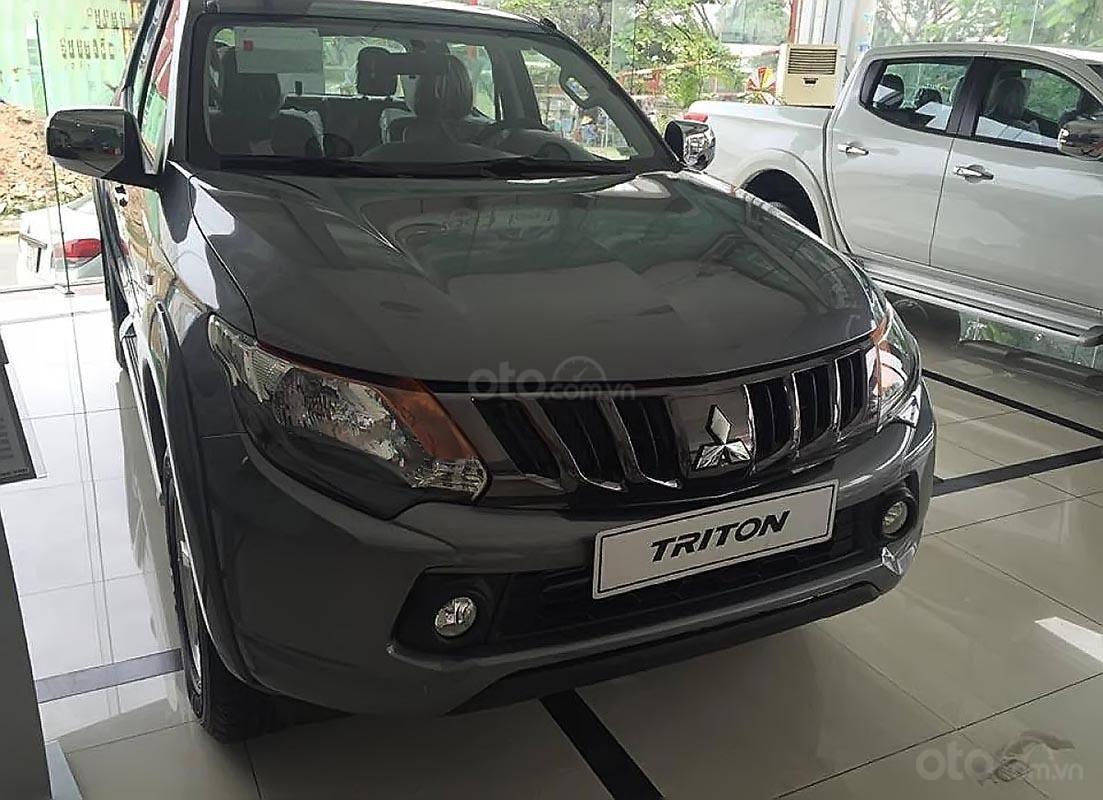Bán Mitsubishi Triton 4x2 AT sản xuất 2019, màu xám, xe nhập, giá chỉ 586 triệu-4