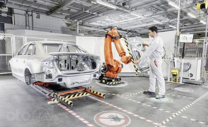 Audi A4 đang được lắp ráp