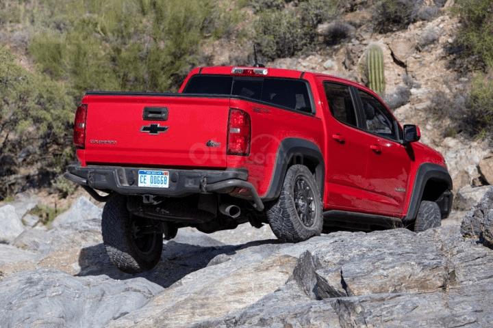 Chevrolet Colorado 2020 nóng lưng vì đối thủ