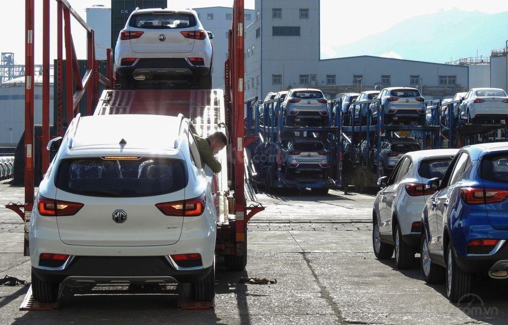 Xe Trung Quốc qua sử dụng giá rẻ xuất khẩu có thể là yếu tố tác động đến doanh số