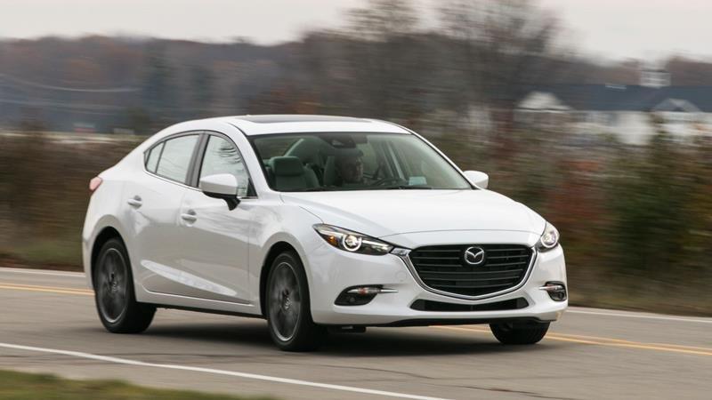 Thiết kế thân xe Mazda 3...