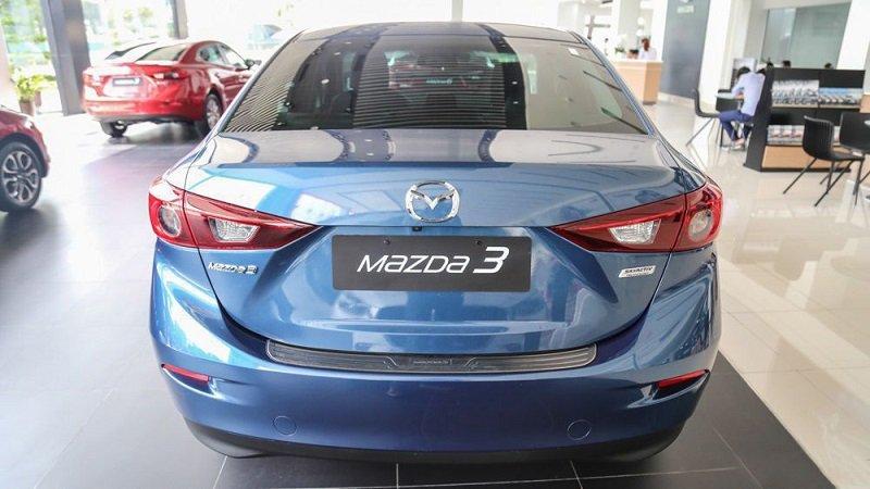 Đuôi xe Mazda 3 2.0 2019...