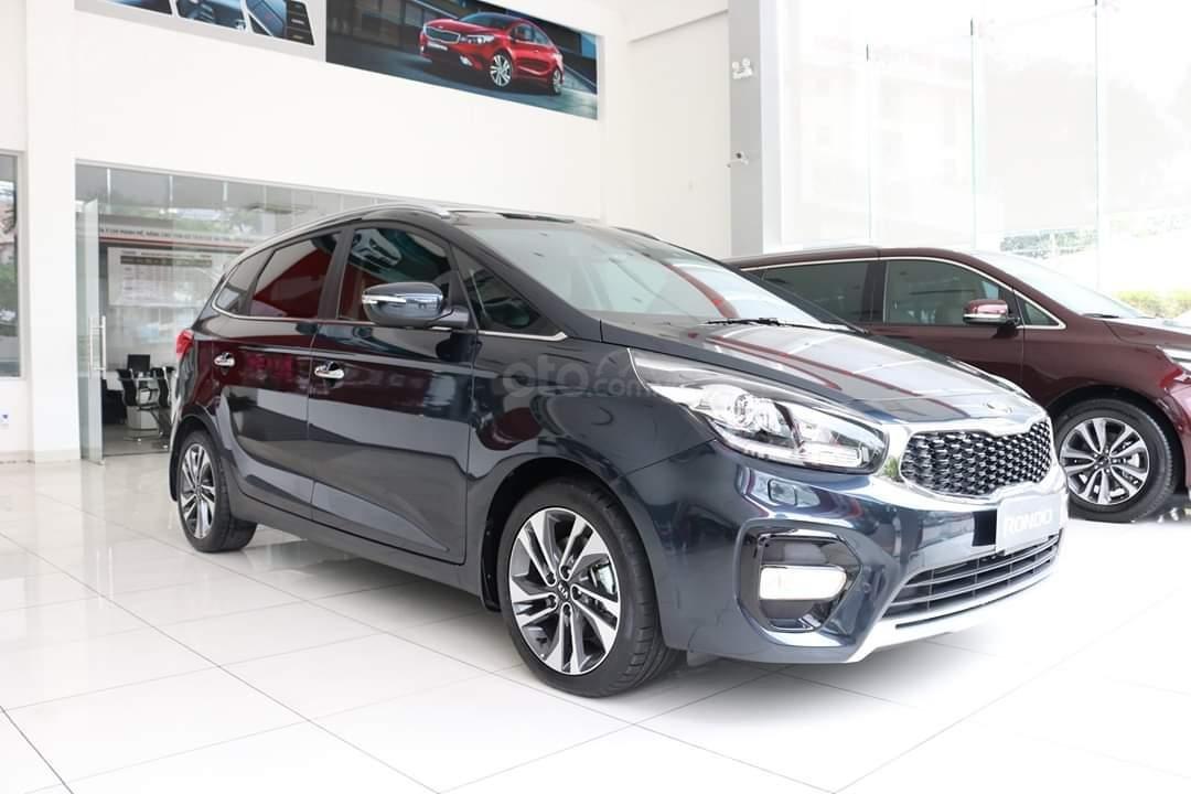Giá xe Kia Rondo 2020 mới nhất từ 609 - 799 triệu đồng...