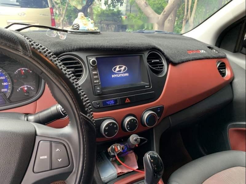 Bán Hyundai Grand i10 sản xuất 2018, màu bạc số tự động, 425tr-1