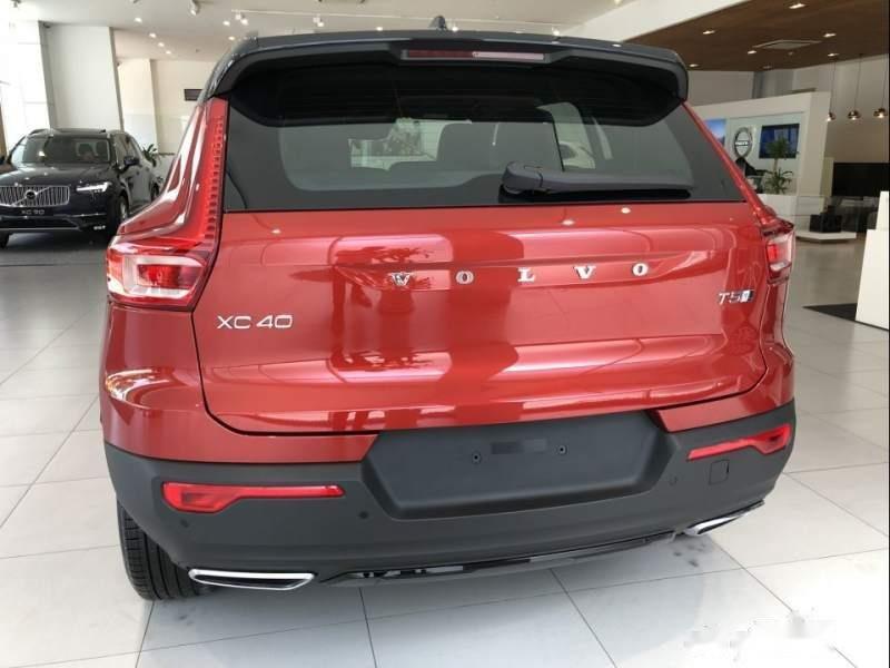 Cần bán xe Volvo XC40 năm 2019, màu đỏ, xe nhập (2)