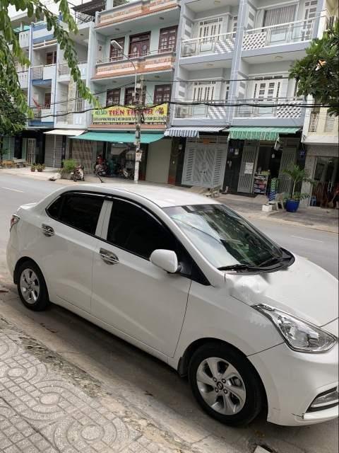 Bán Hyundai Grand i10 sản xuất 2018, màu bạc số tự động, 425tr-4