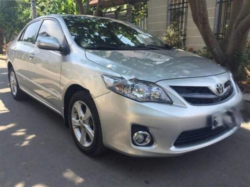 Cần bán gấp Toyota Corolla Altis năm 2010 chính chủ-1
