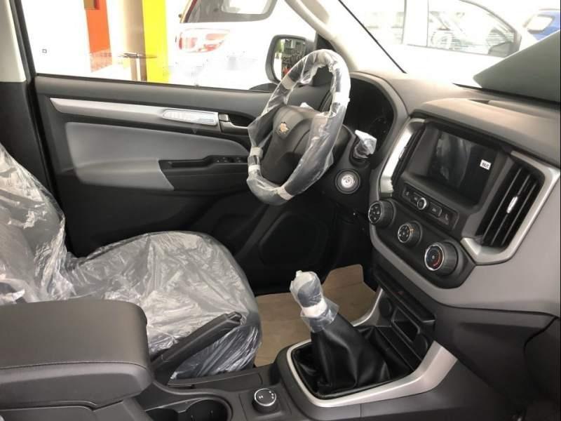 Cần bán xe Chevrolet Colorado đời 2019, màu bạc, nhập khẩu (4)