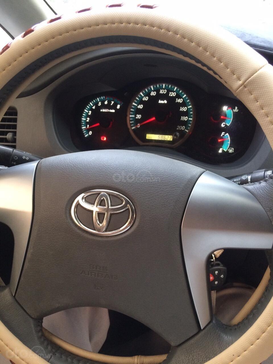 Cần bán Toyota Innova 2012, xe gia đình sử dụng còn Zin 90%-4