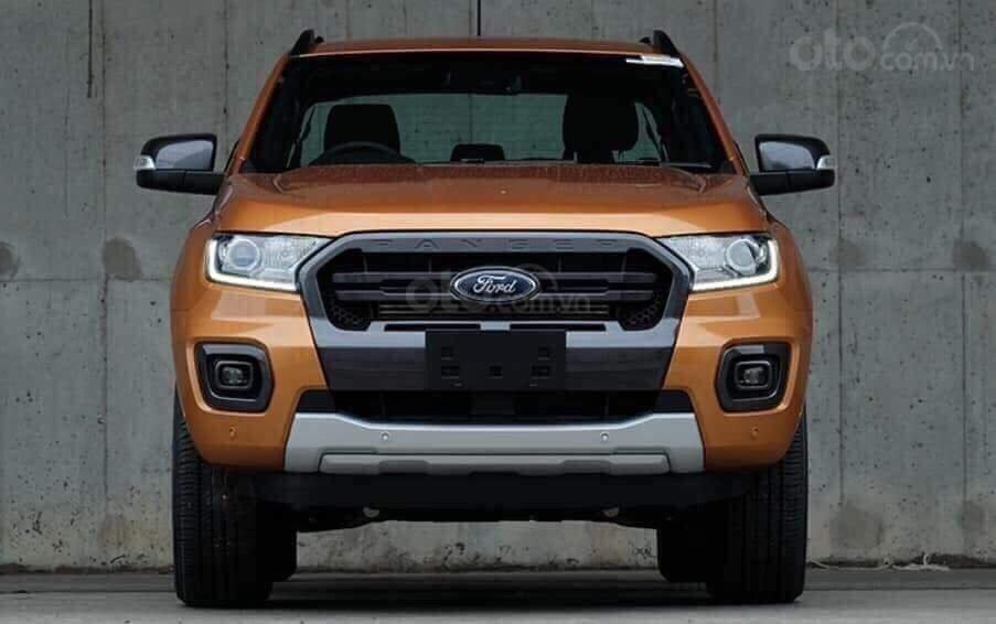 Cần bán Ford Ranger Wildtrak 2.0 4x4 năm 2019, màu cam, nhập khẩu nguyên chiếc, giá chỉ 863 triệu (2)