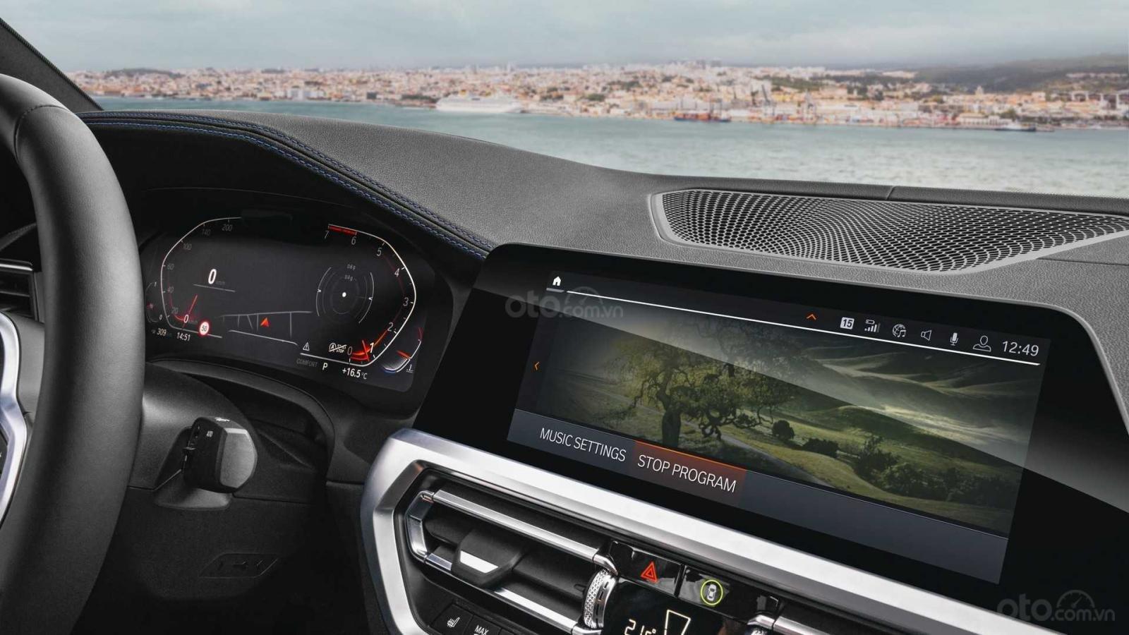 Xe BMW cập nhật hệ điều hành
