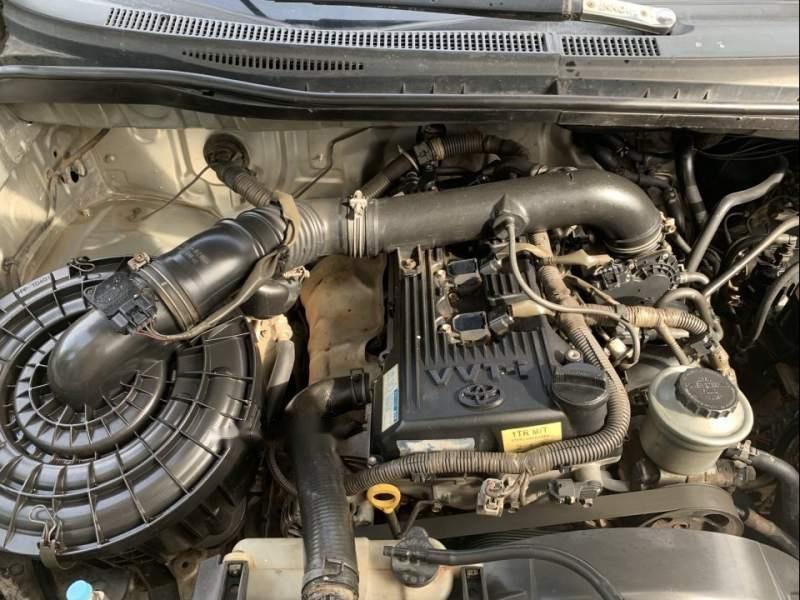 Cần bán gấp Toyota Innova J năm sản xuất 2008, màu bạc, nhập khẩu nguyên chiếc, giá 262tr-4