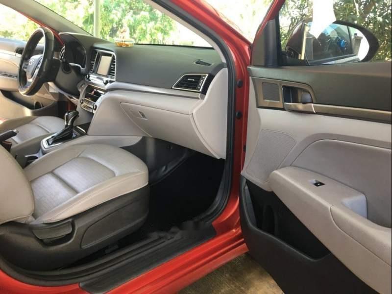 Cần bán gấp Hyundai Elantra sản xuất năm 2017, màu đỏ chính chủ-2