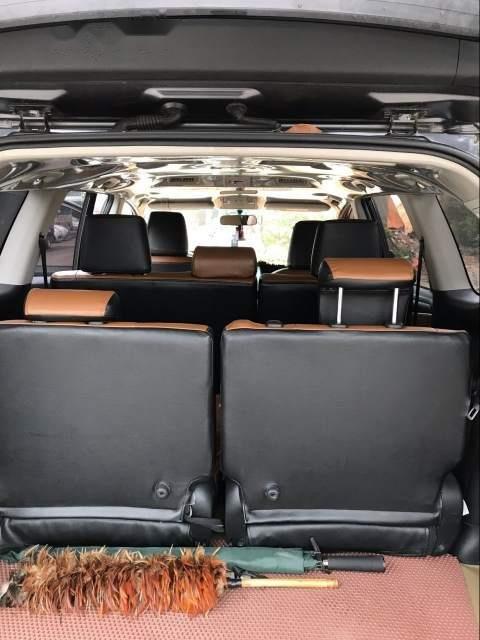 Cần bán gấp Toyota Innova 2.0E sản xuất 2017, màu đen chính chủ, giá 685tr-3
