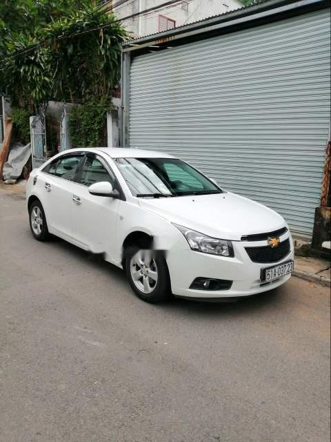 Cần bán xe Chevrolet Cruze sản xuất năm 2010, màu trắng (5)