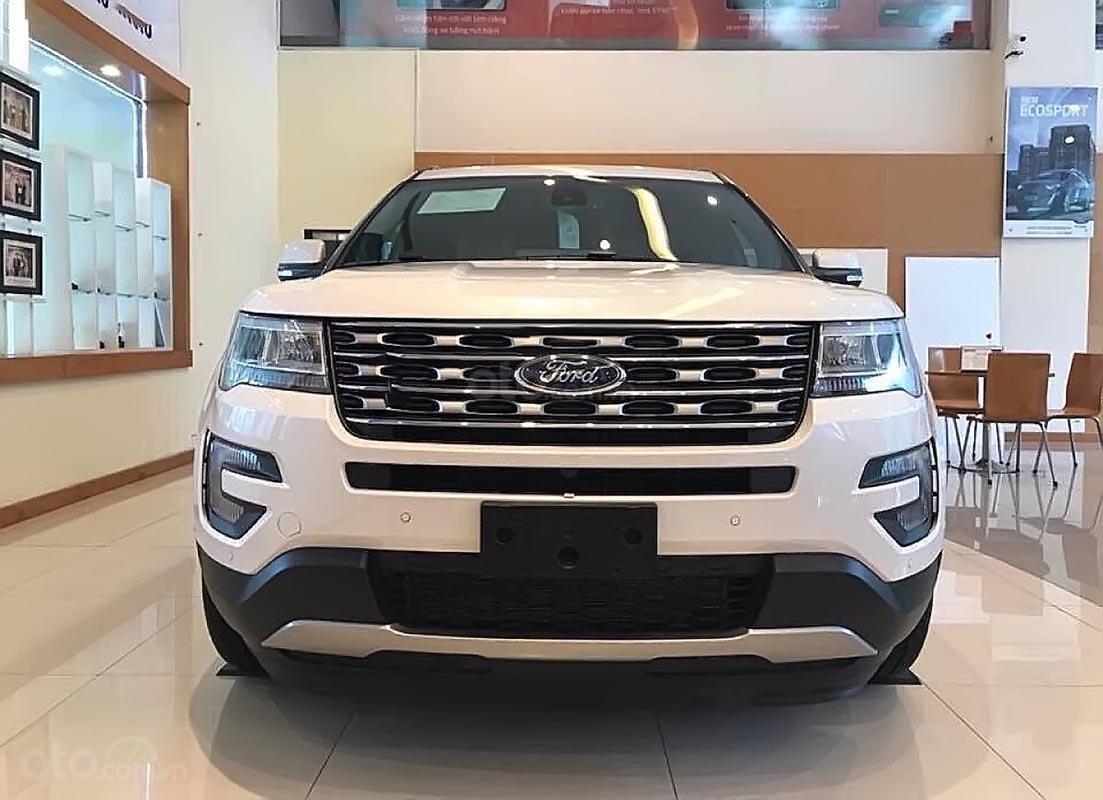Cần bán Ford Explorer limited sản xuất 2019, màu trắng, nhập khẩu   (1)