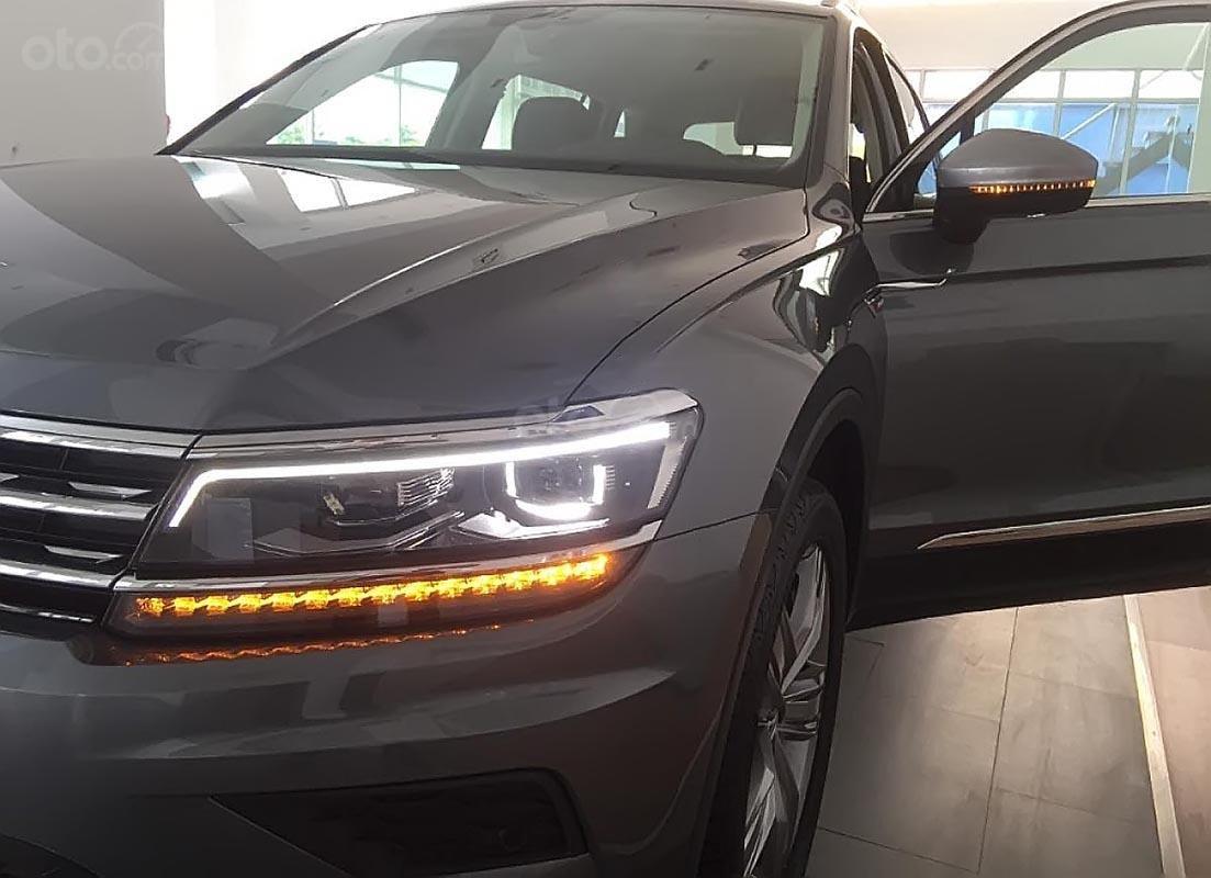 Bán xe Volkswagen Tiguan Allspace đời 2018, màu xám, nhập khẩu (2)