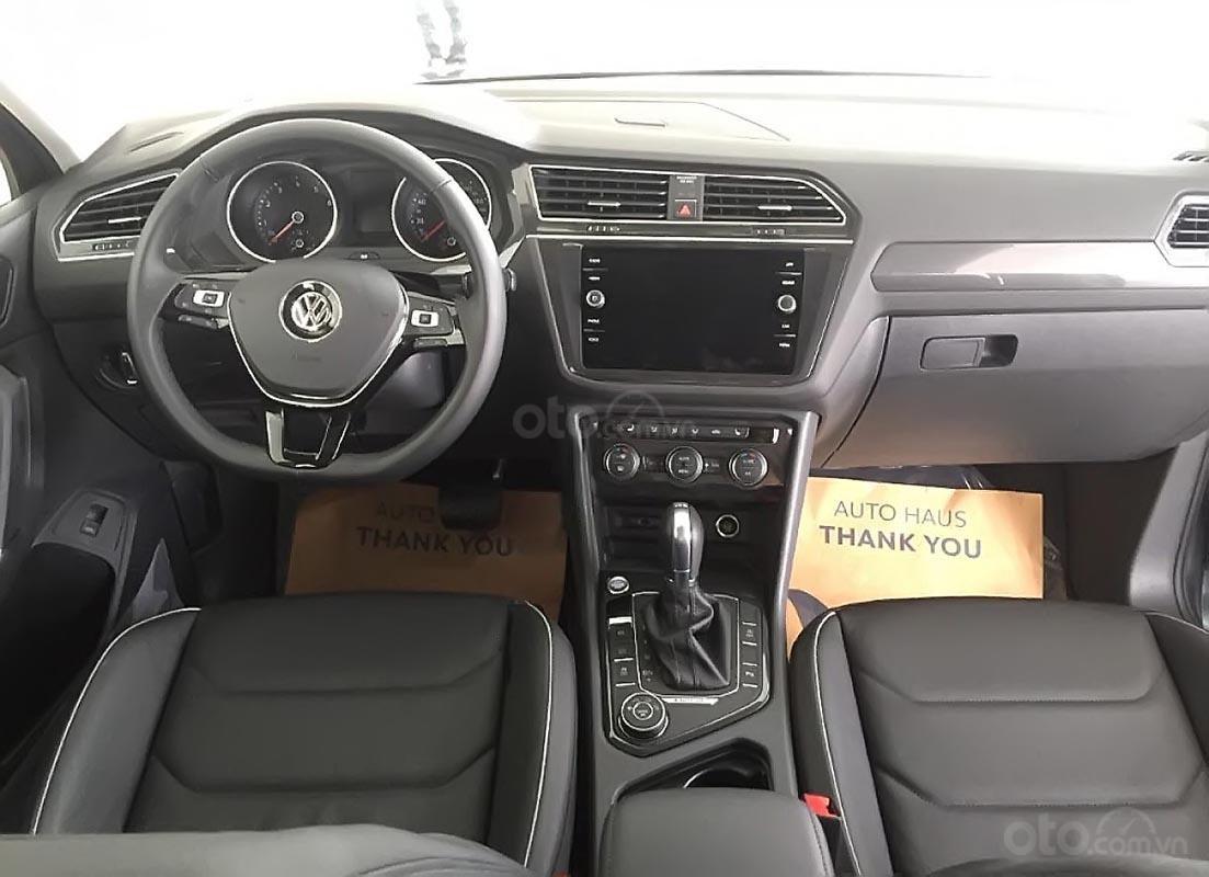Bán xe Volkswagen Tiguan Allspace đời 2018, màu xám, nhập khẩu (4)