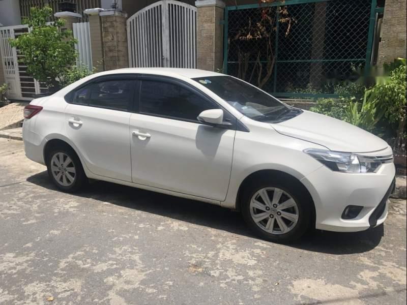 Bán Toyota Vios 1.5E đời 2017, màu trắng, còn mới giá cạnh tranh-0