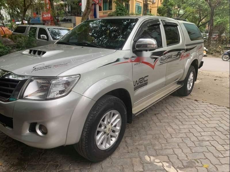 Bán ô tô Toyota Hilux G 4x2 sản xuất 2015, màu bạc, nhập khẩu nguyên chiếc ít sử dụng-0