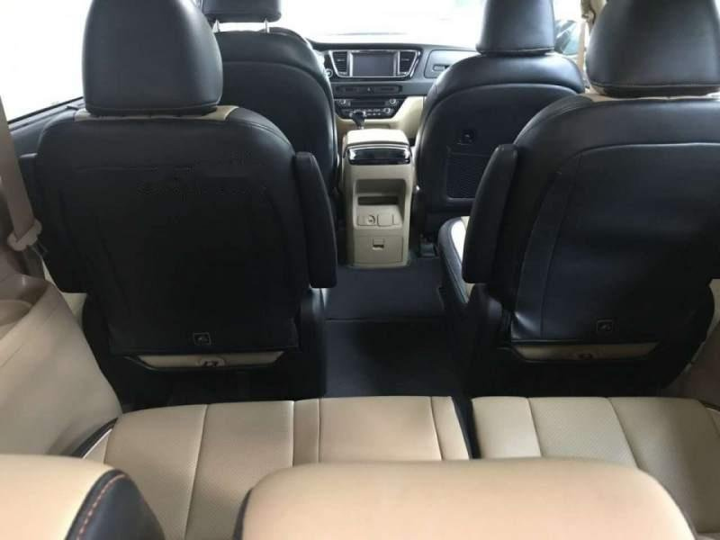 Cần bán xe Kia Sedona 3.3 GATH 2016, màu bạc còn mới, giá 945tr (3)