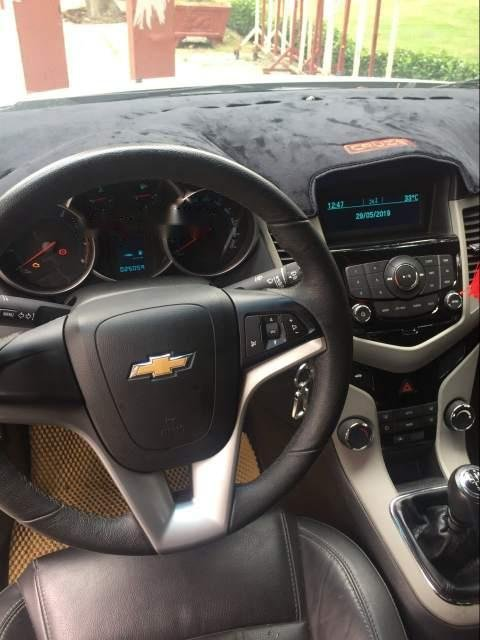 Cần bán lại xe Chevrolet Cruze sản xuất năm 2017, màu trắng-1