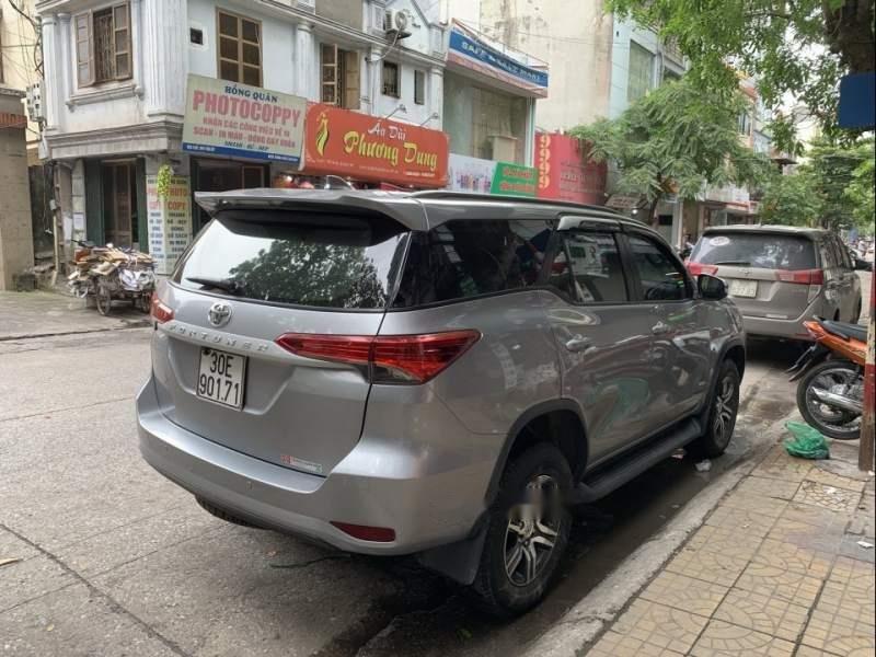 Bán xe Toyota Fortuner 2016, màu xám, xe nhập còn mới (2)