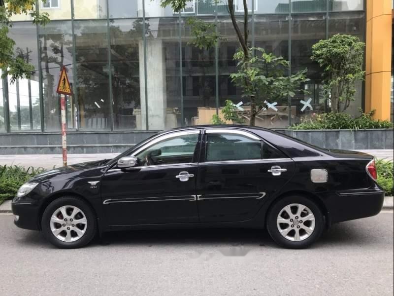 Cần bán xe Toyota Camry 3.0AT năm 2003, màu đen chính chủ (1)