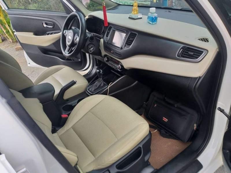 Bán ô tô Kia Rondo GAT đời 2017, màu trắng chính chủ-4
