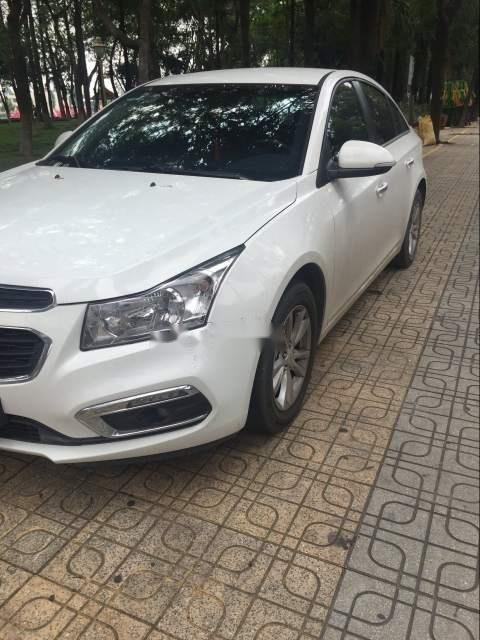 Cần bán lại xe Chevrolet Cruze sản xuất năm 2017, màu trắng-0