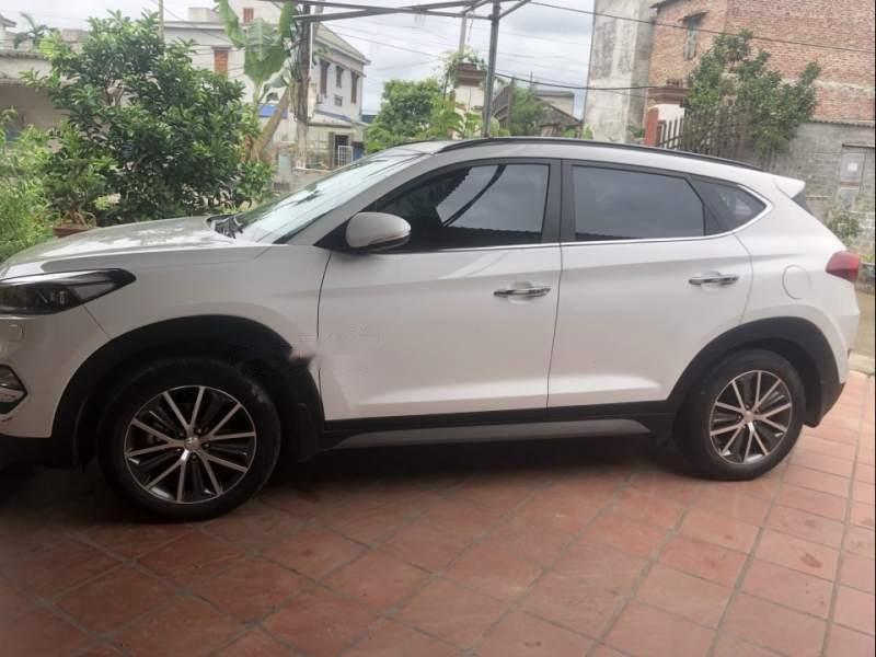 Bán Hyundai Tucson đời 2016, màu trắng, xe nhập chính chủ-0