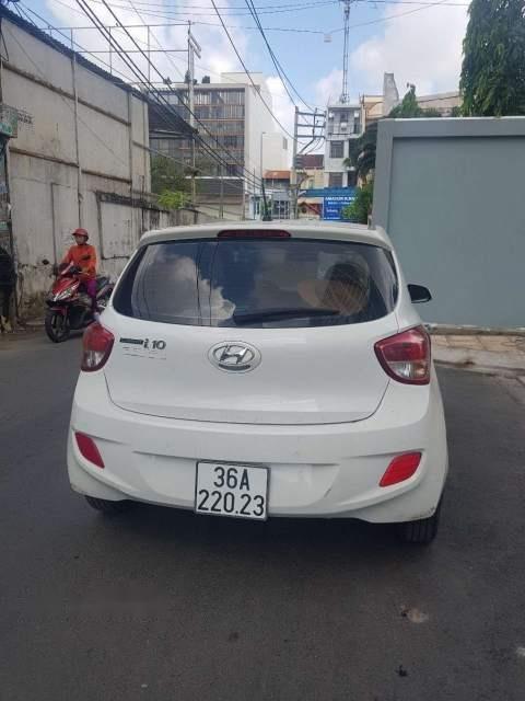 Bán xe Hyundai Grand i10 1.0AT sản xuất năm 2015, màu trắng số tự động-1