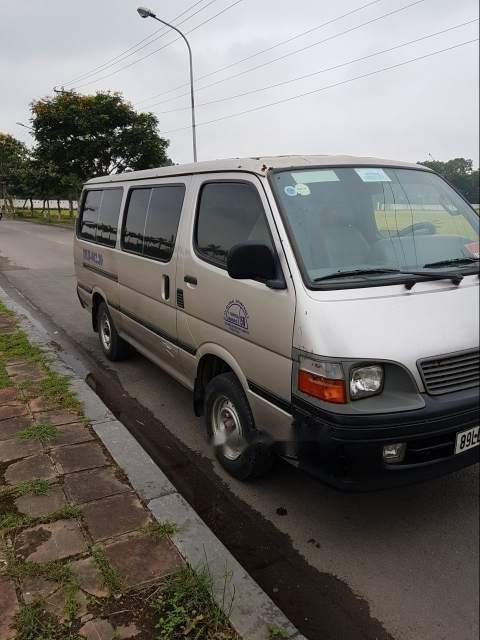 Cần bán Toyota Hiace đời 2002-3