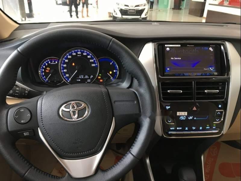 Cần bán Toyota Vios đời 2019, màu trắng (2)