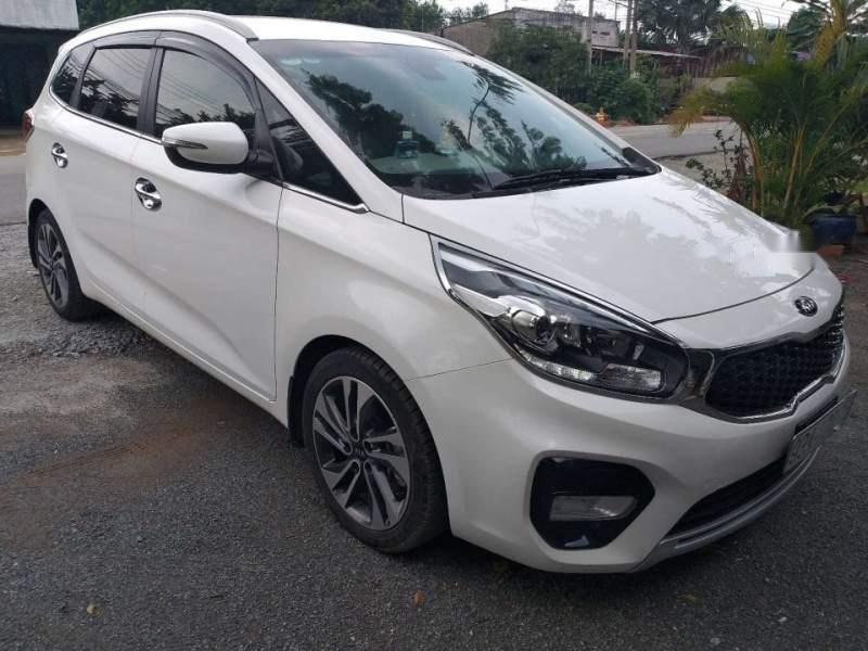 Bán ô tô Kia Rondo GAT đời 2017, màu trắng chính chủ-2