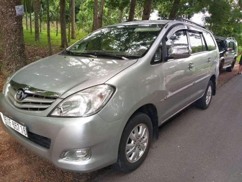 Bán Toyota Innova G sản xuất 2009, màu bạc chính chủ (1)