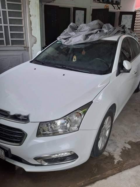 Bán Chevrolet Cruze đời 2017, màu trắng, xe nhập còn mới, giá 410tr (1)