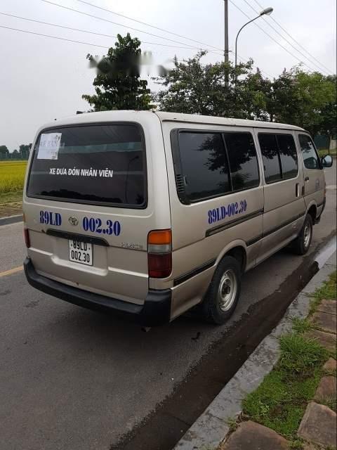 Cần bán Toyota Hiace đời 2002-4