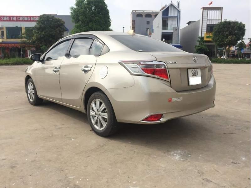 Bán Toyota Vios 1.5E MT đời 2018, màu vàng xe gia đình-3