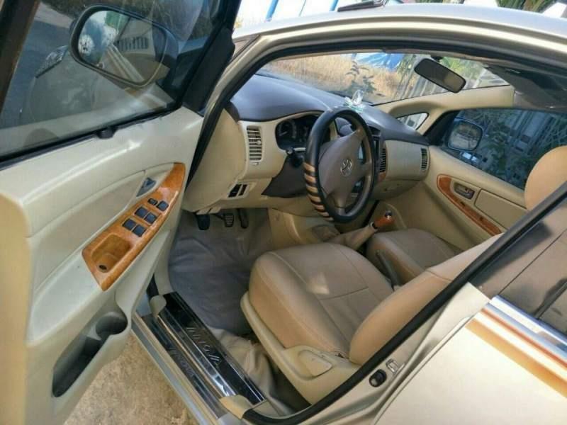 Cần bán Toyota Innova J 2007 xe gia đình-3
