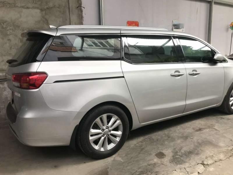 Cần bán xe Kia Sedona 3.3 GATH 2016, màu bạc còn mới, giá 945tr (2)