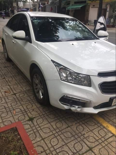 Cần bán lại xe Chevrolet Cruze sản xuất năm 2017, màu trắng-3