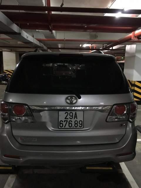 Bán xe Toyota Fortuner sản xuất 2013, màu bạc-1