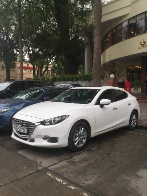 Cần bán gấp Mazda 3 sản xuất 2018, màu trắng chính chủ, giá chỉ 630 triệu-1